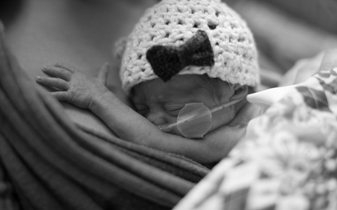10 Ways to Support Preemie Parents While Their Baby is at the NICU